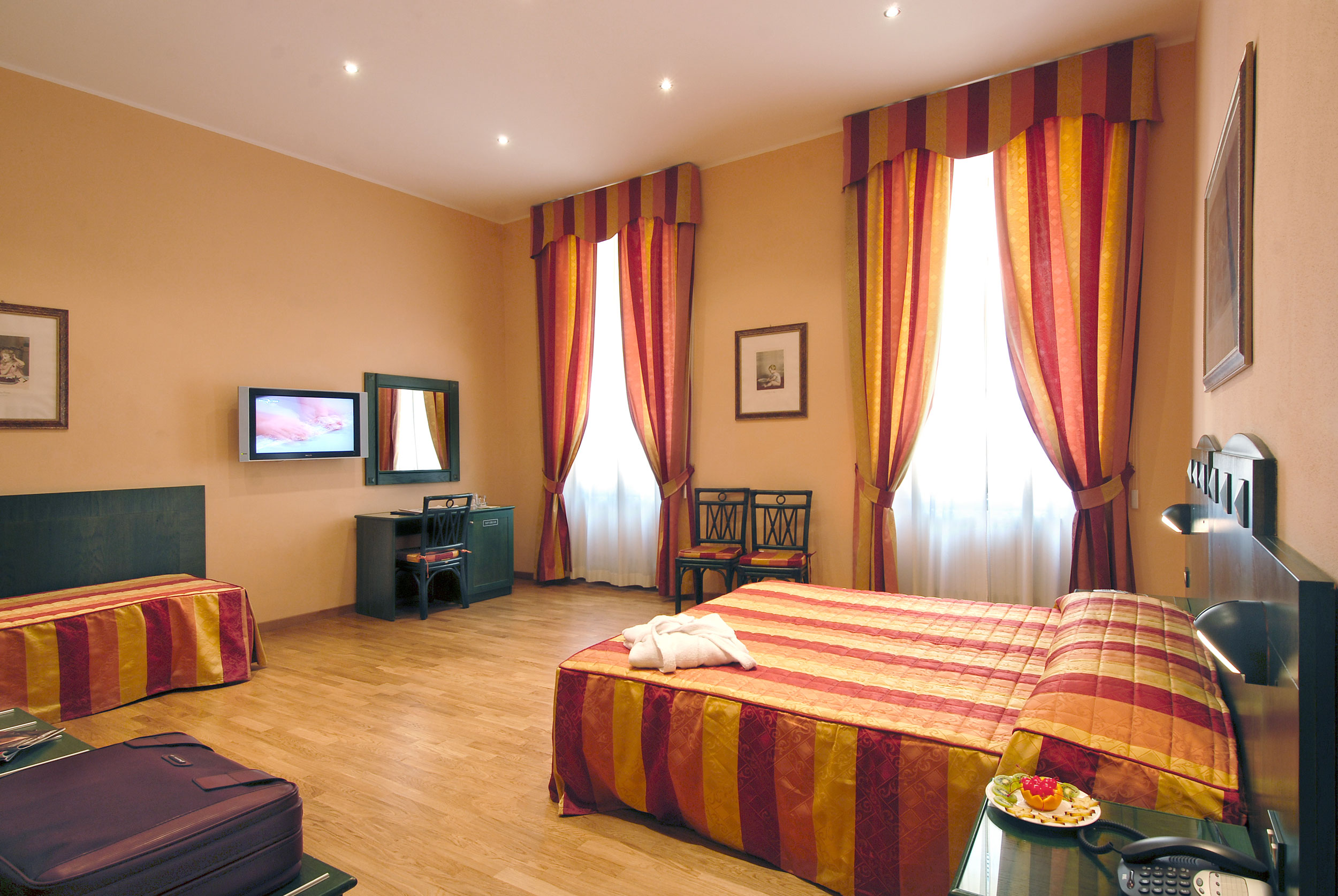 hotel bologna a pise. Black Bedroom Furniture Sets. Home Design Ideas